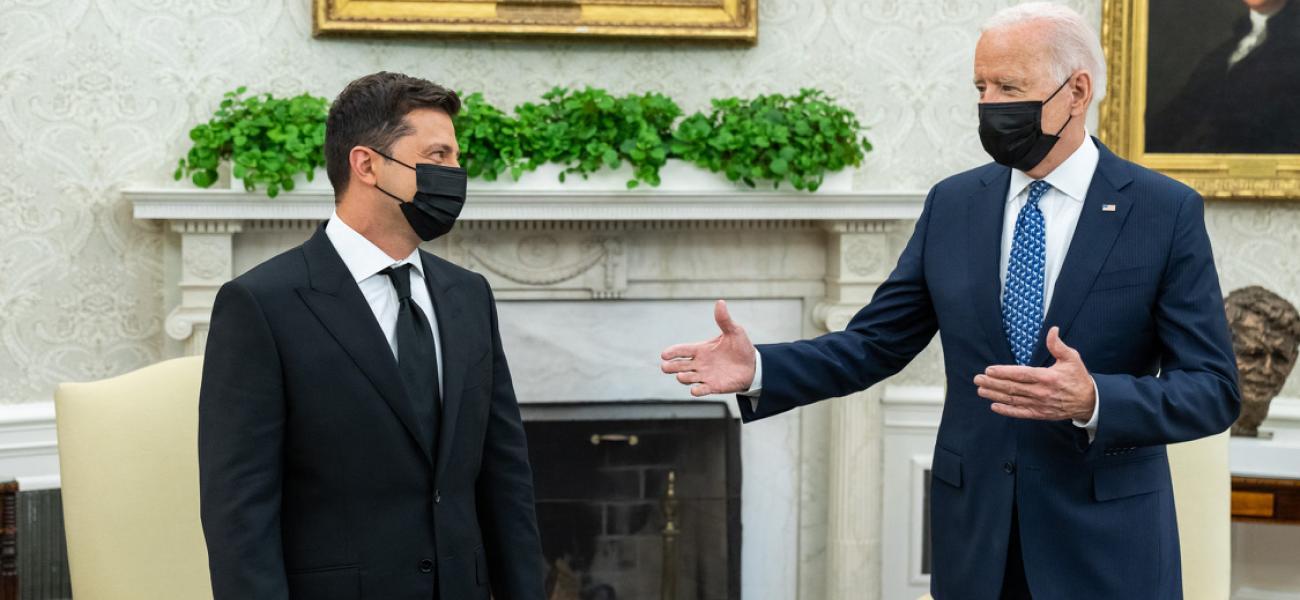 Вашингтон должен прекратить использовать Украину в качестве буфера против России