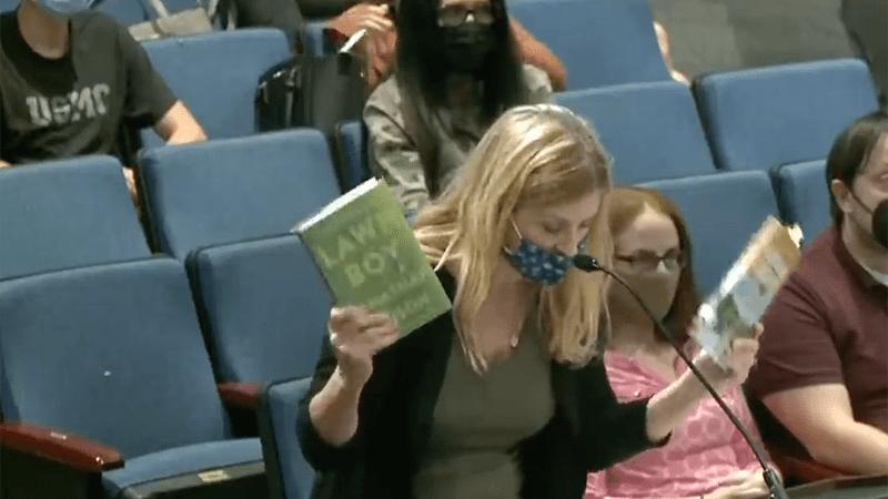 Школьный совет пытается заткнуть рот родителям, выступающим против пропаганды гомосексуализма и педофилии среди учеников