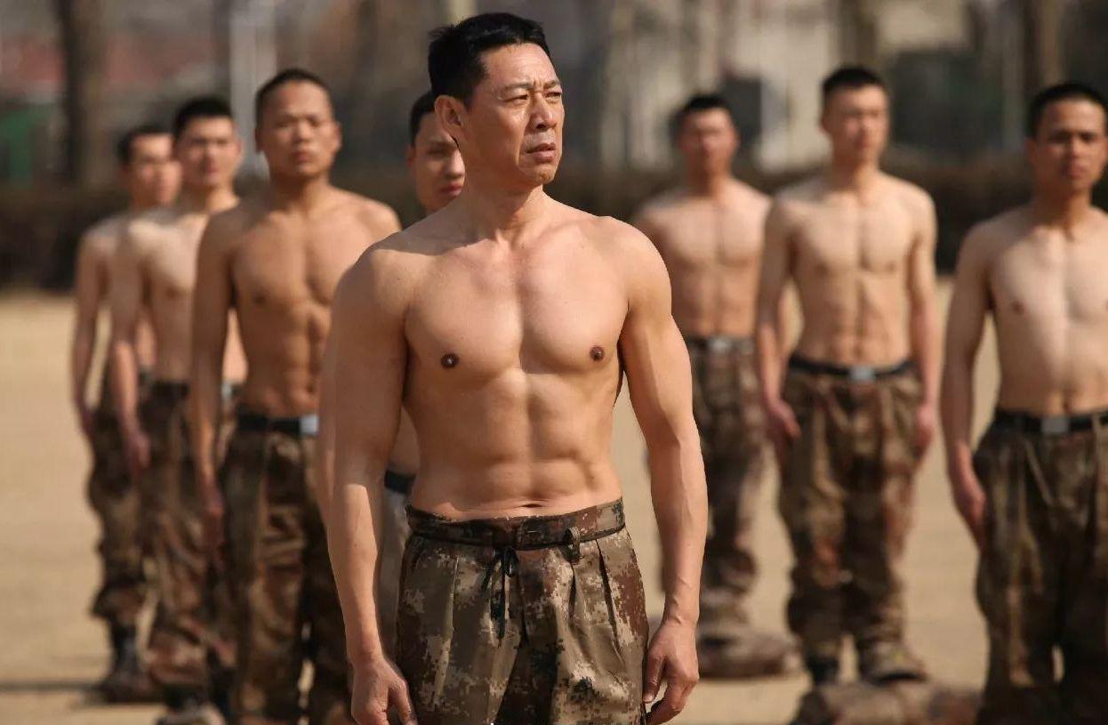 Урок для Америки: Китай объявил войну против феминизации мужчин