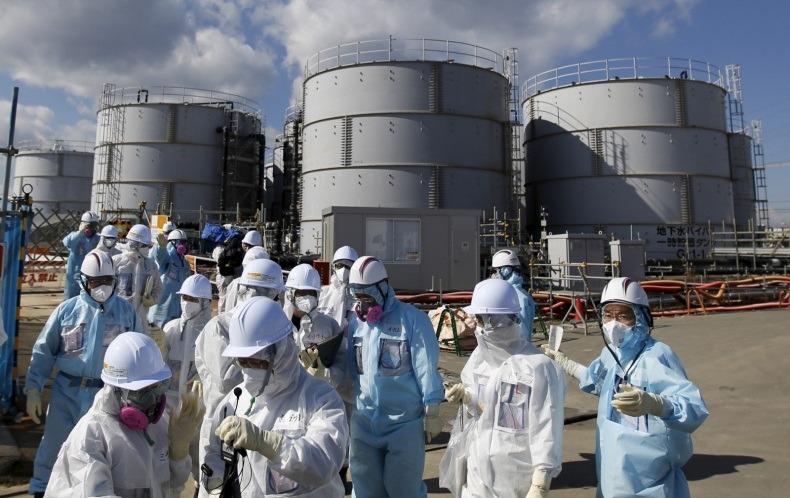 Япония будет сбрасывать радиоактивную воду с Фукусимы в Тихий океан