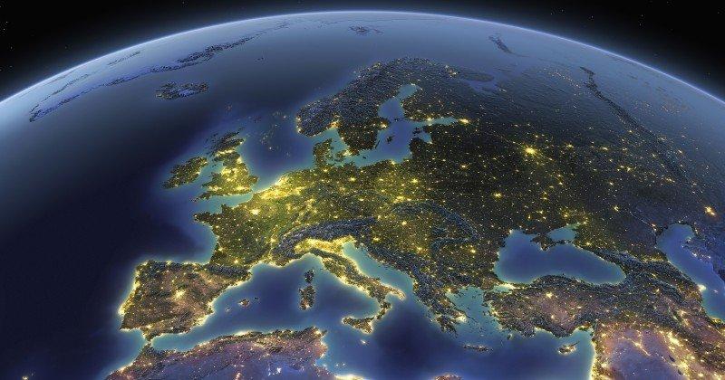 Financial Times: европейцы должны «быть готовы к демографическому замещению арабами и азиатами»